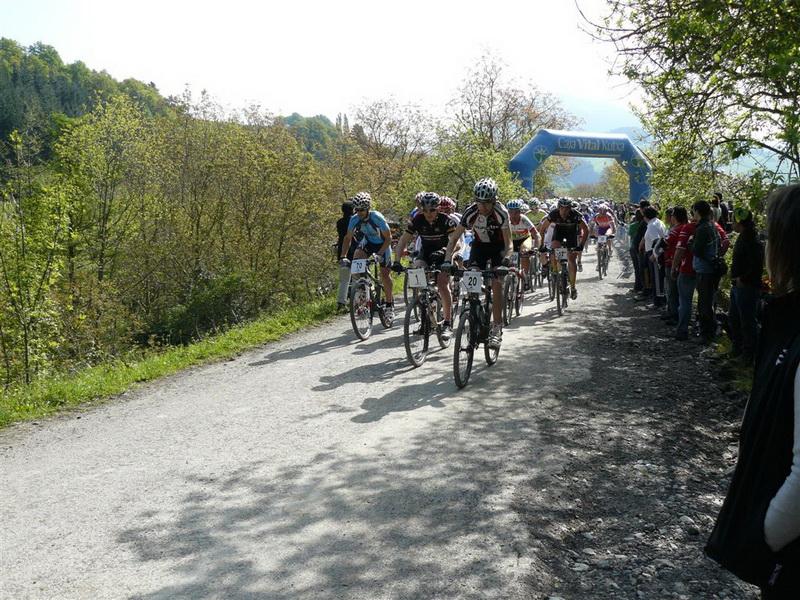 Equipo BikeZona Carrera Aramaio