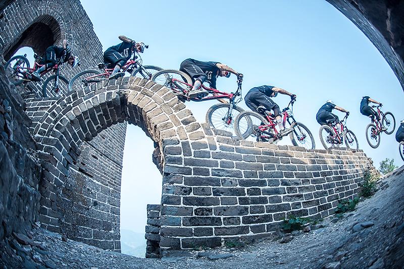 David Cachón en la Gran Muralla China