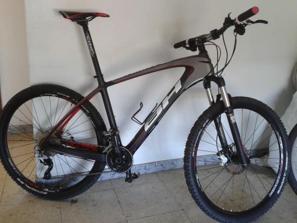 Ultimate RC 8.5 27, 5 Carbono