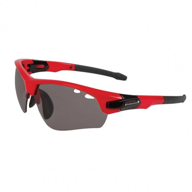 263093cc33 Los gran Snapper II es una gafa ideal para diferentes estilos de ciclismo y  actividades deportivas. La lente degradada de mas oscura en la parte  superior a ...